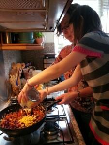 140511 koken met Sanne