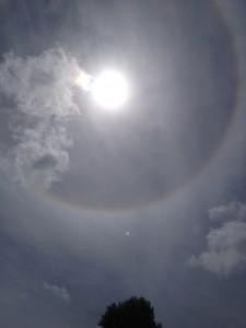 140629 halo om de zon